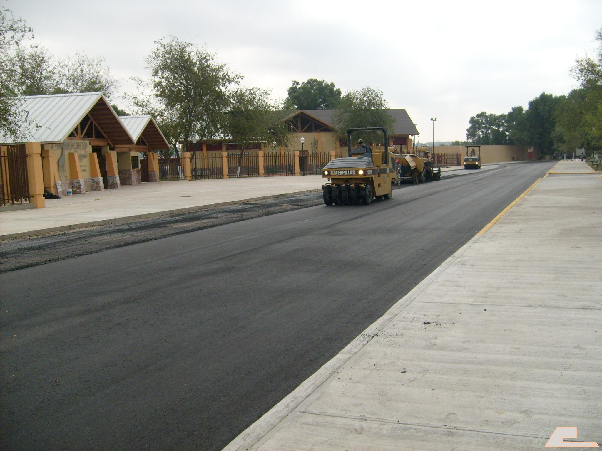 Asfaltos y concretos s a de c v asfalto for Aspersores para riego de jardin